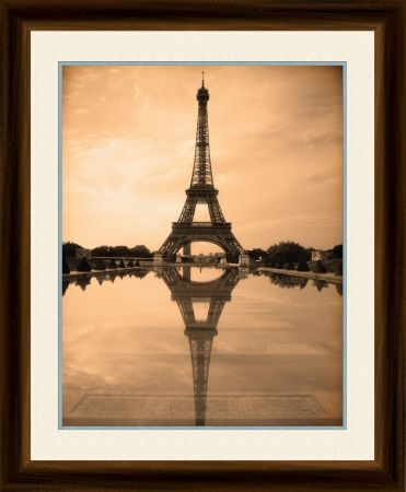 the eiffel tower paris 20x16 inch framed print