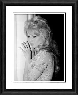 Brigitte Bardot - Babette Goes To War Framed Photographic Print