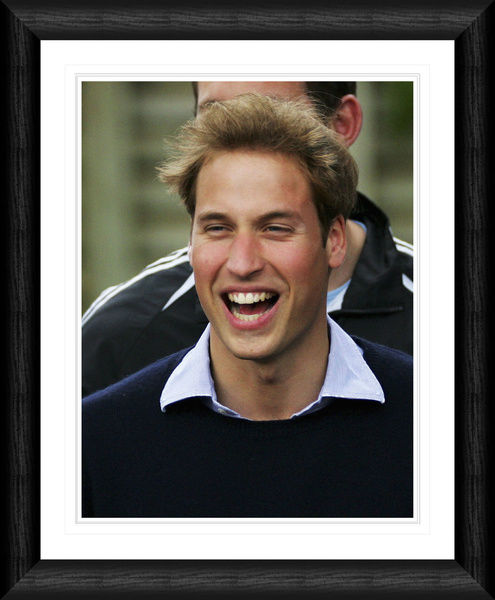 RYLT004SU - Prince William Framed 20x16' (508x406mm) Single Image Print
